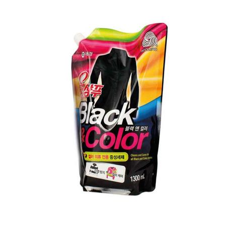 Жидкое средство для деликатной стирки черных и цветных вещей Aekyung Wool Shampoo Black&Color 1,3 л