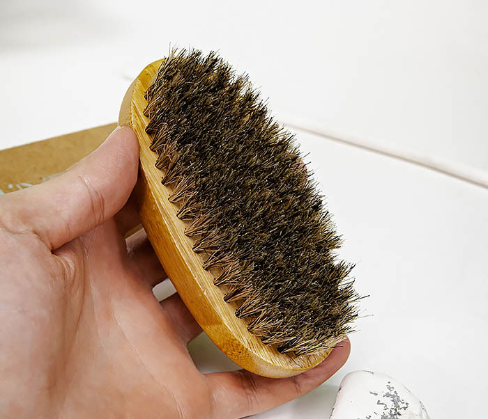 CARE150-2 Бамбуковая щетка для бороды в коробке фото 05