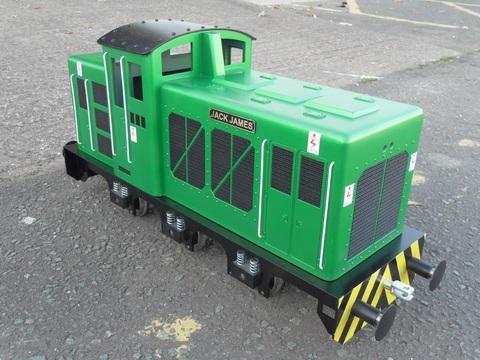 Garden Rail Jupiter 3 на колеи  12,7 и 17,8 см (три двигателя), электрический