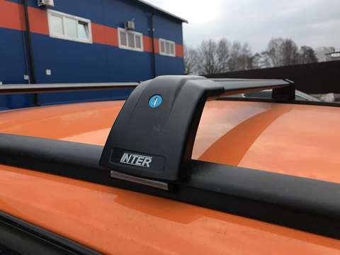 Багажник Inter AEROSTAR АЭРОСТАР R-77i черный на низкие рейлинги