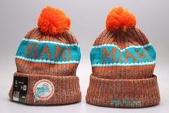 Шерстяная вязаная шапка футбольного клуба Майями (NFL Miami) оранжевая с помпоном