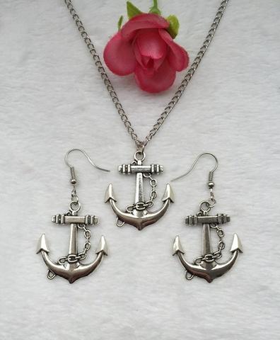 Комплект в морском стиле