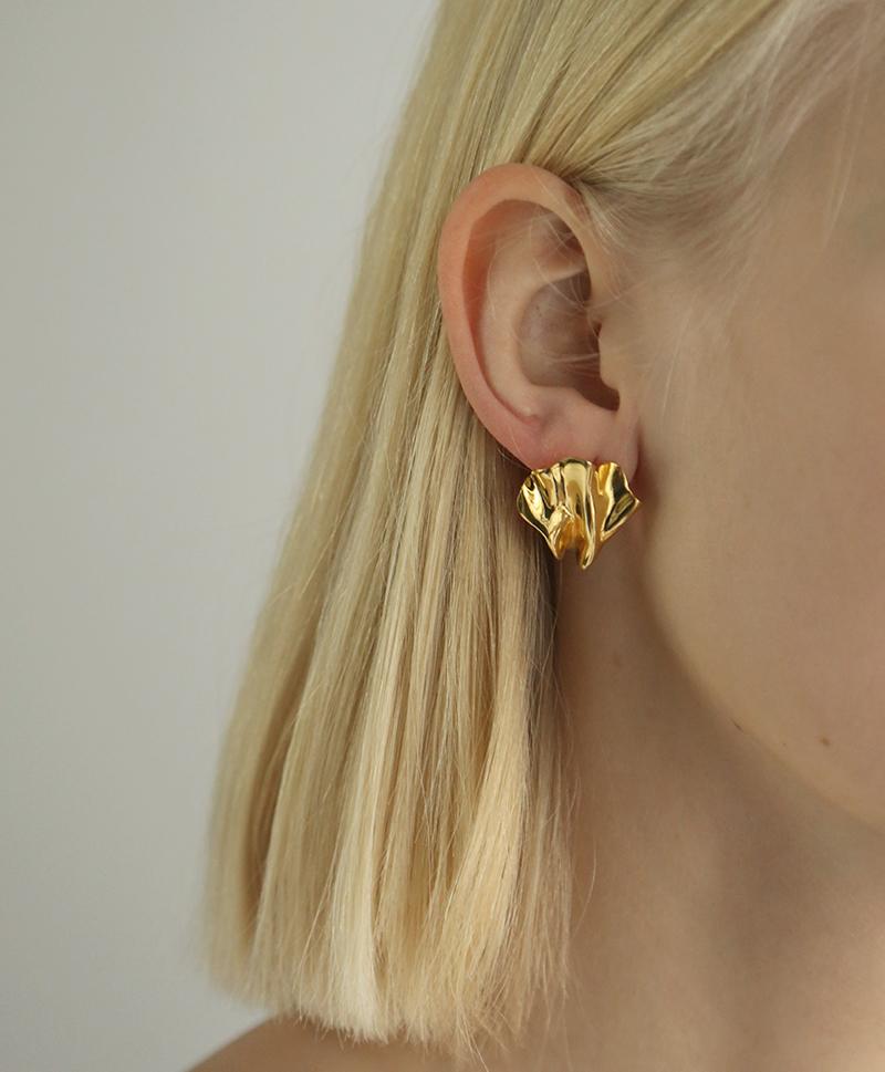 Серебряные с золотым покрытием серьги-пусеты в форме водорослей