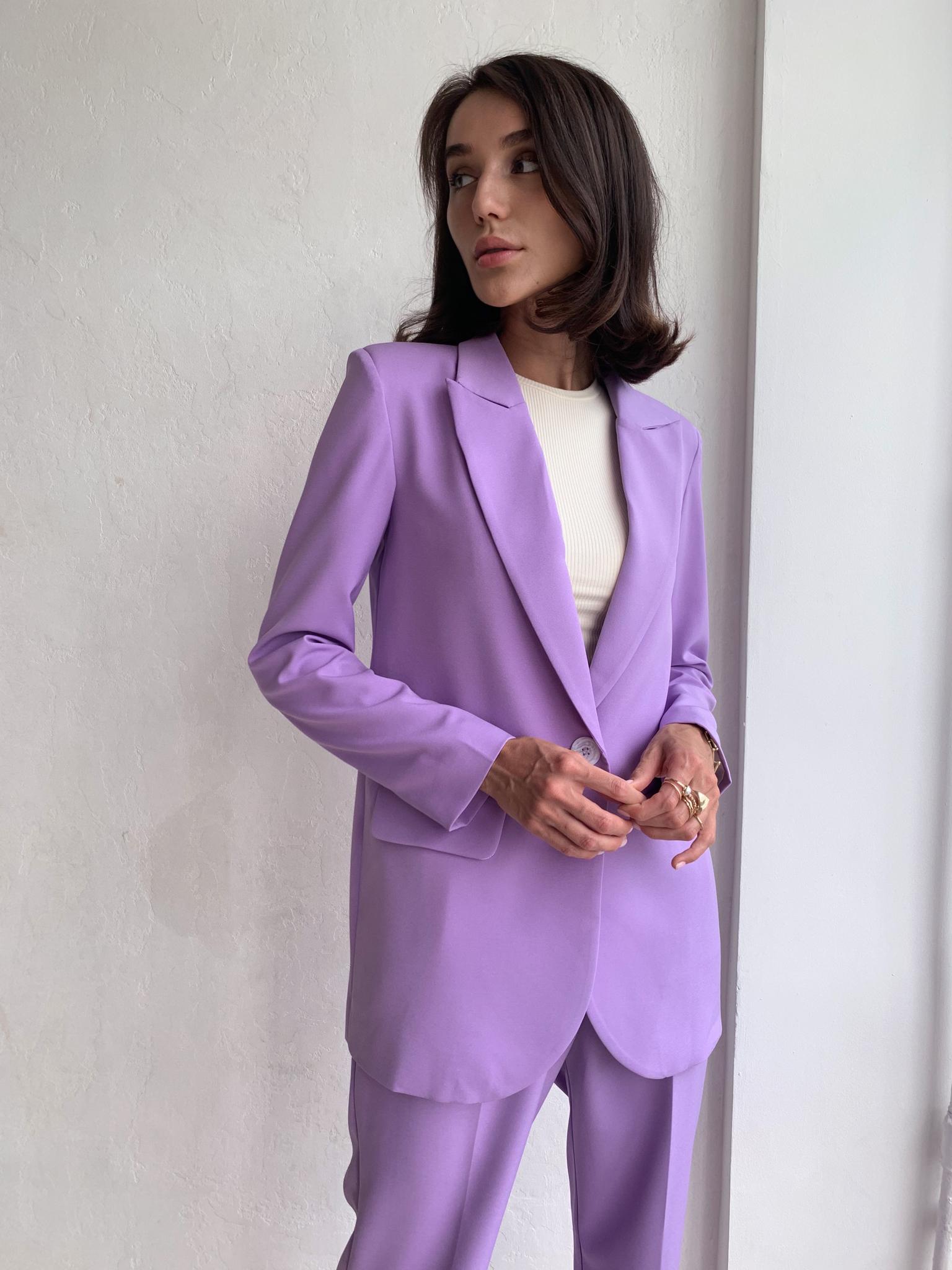 Пиджак со шлицей (острый лацкан) (фиолетовый)