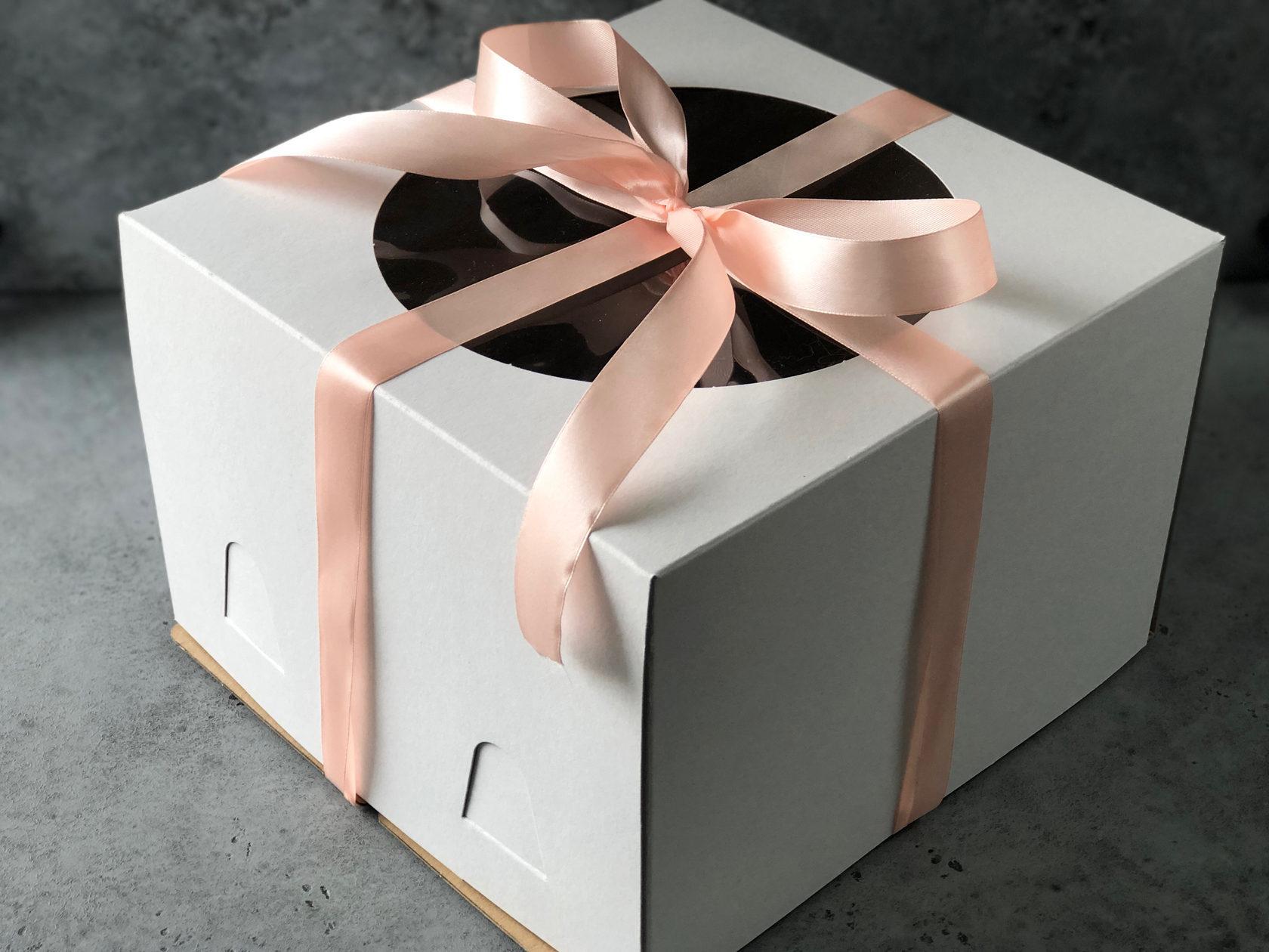 Коробка для торта с окном 30х30х19 см