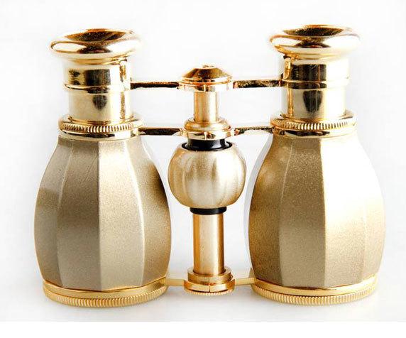 Стильный корпус театрального бинокля Veber БГЦ 4x 30, шампань-золото
