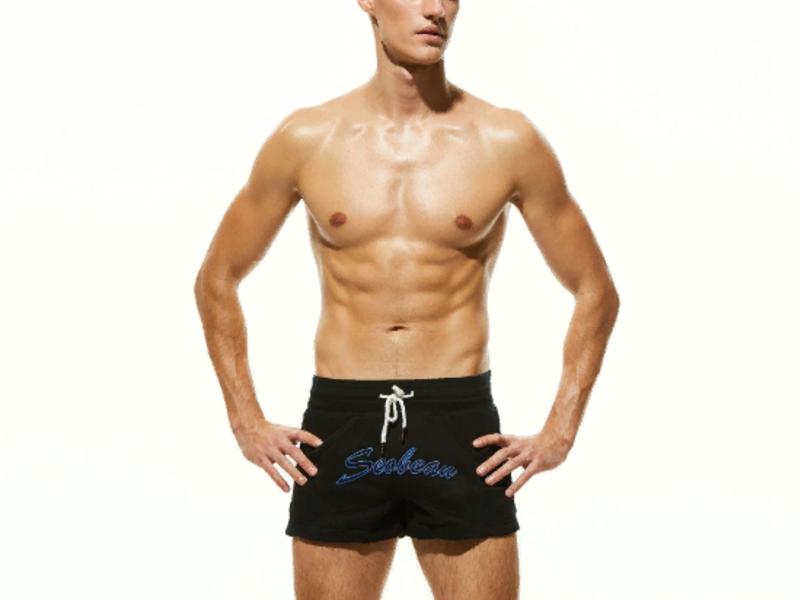 Мужские пляжные шорты черные с надписью SEOBEAN