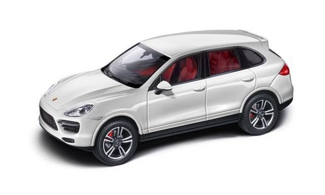 Коллекционная модель Porsche Cayenne Turbo S