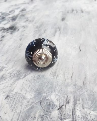 Ручка мебельная керамическая   - черная с белым объемным узором, арт. 00001216