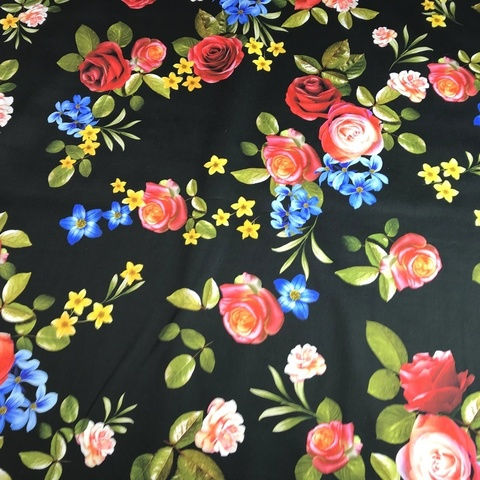 Ткань хлопок сатин с эластаном с маленькими розами на черном фоне 2024