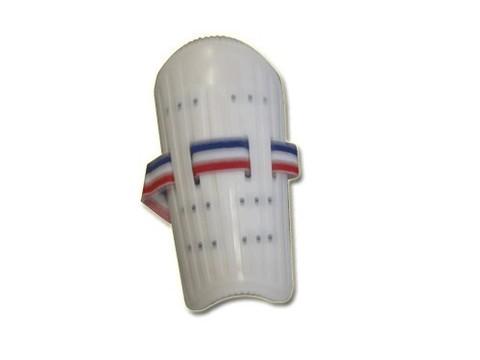 Щитки футбольные пластик. :(844-3S):