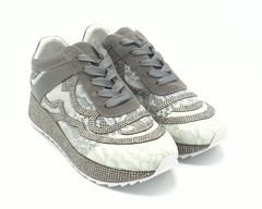 Комбинированные кружевные кроссовки на средней платформе