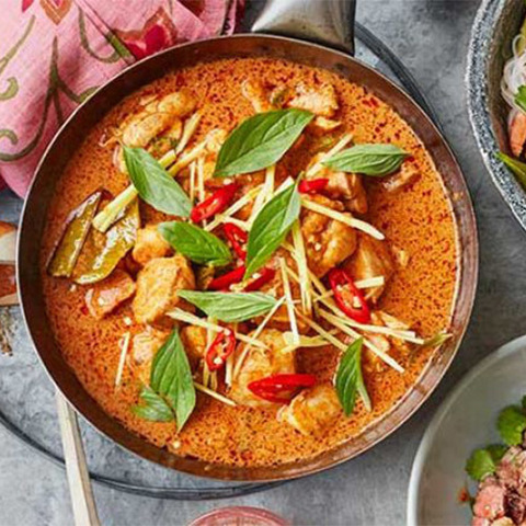 https://static-ru.insales.ru/images/products/1/2130/186157138/thai-red-curry.jpg