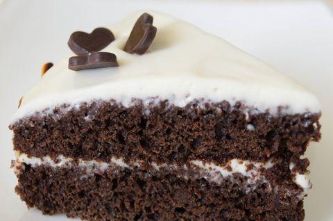 Черемуховый Торт без глютена с шоколадом и белой глазурью