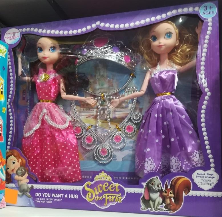 Две принцессы с короной