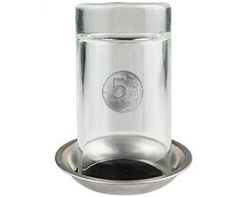 Монета проходит сквозь стеклянный стакан
