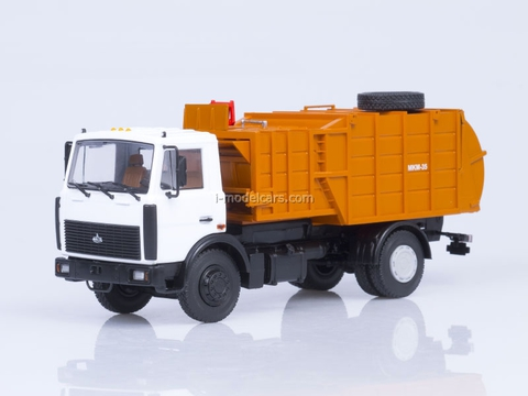 MAZ-5337 garbage truck  with manipulator MKM-35 1:43 AutoHistory