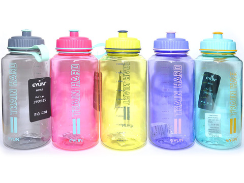 Бутылка для воды. Материал: пластик, силикон. Объём 1000 ml. YY-220