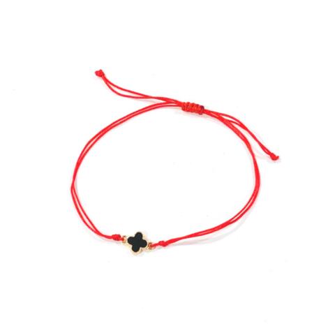 Красная нить защитная с черной подвеской