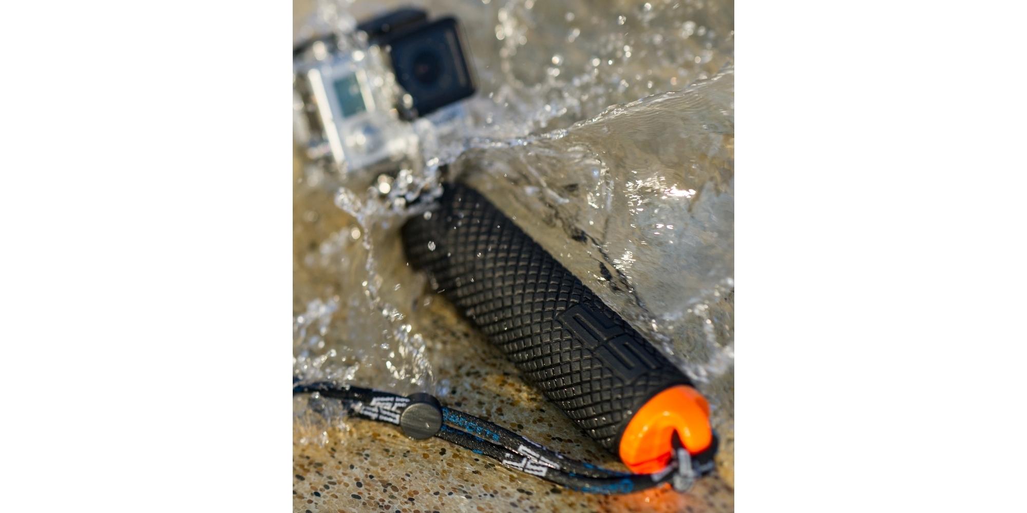 Поплавок SP POV Dive Buoy в воде