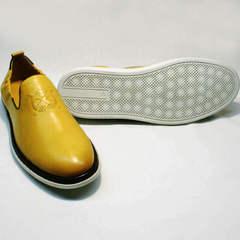 Желтые слипоны на белой подошве мужские King West 053-1022 Yellow-White.