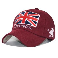 Стильная бейсболка с логотипом ФК Ливерпуль и с флагом Великобритании (Кепка Liverpool) красная