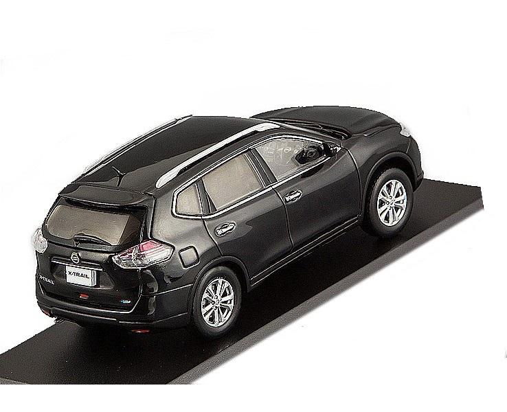 Коллекционная модель Nissan X-Trail