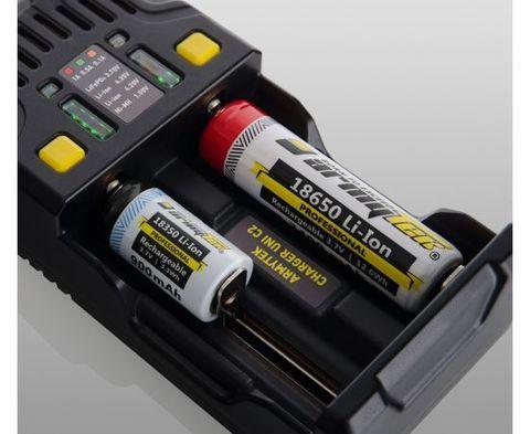 Универсальное зарядное устройство ARMYTEK UNI C2