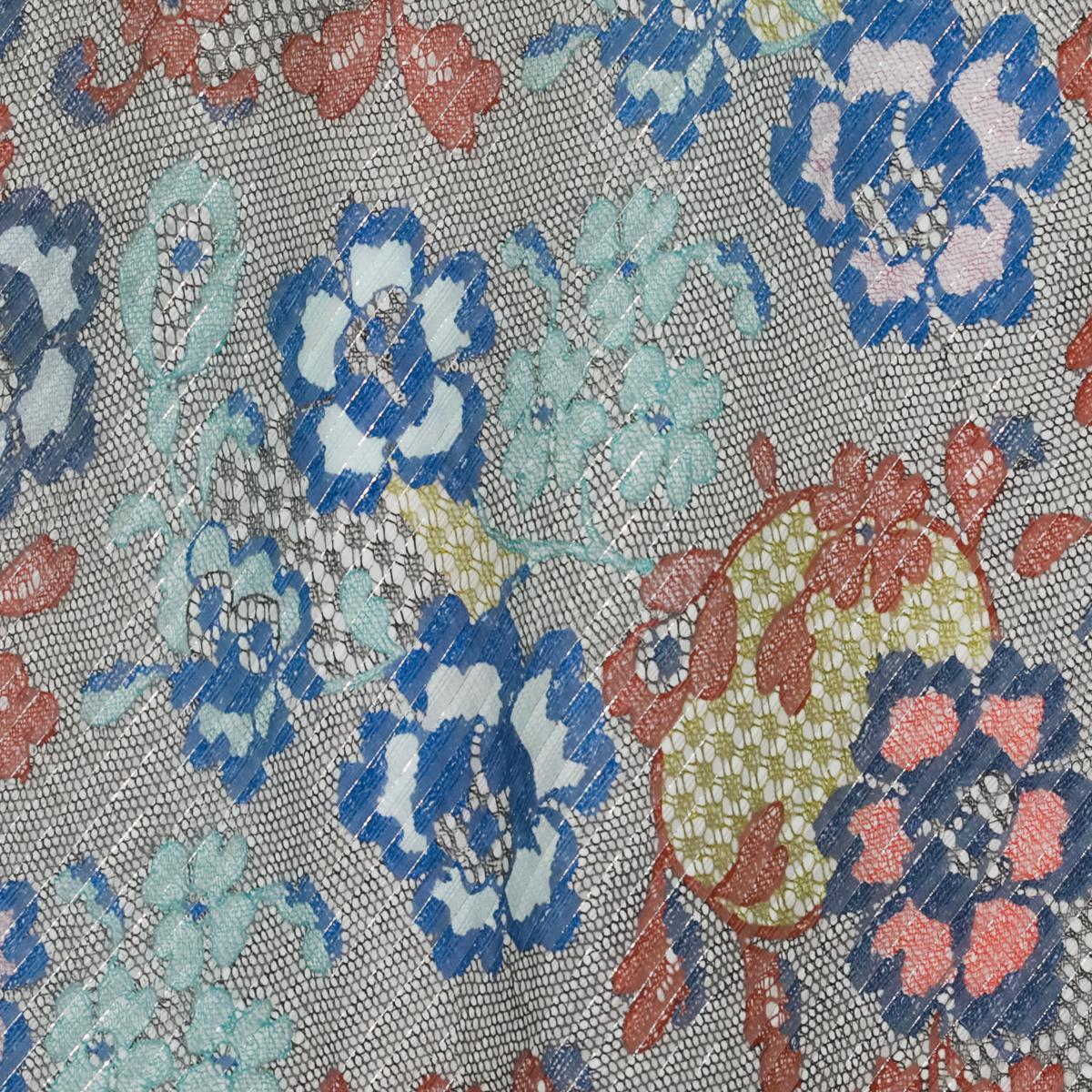 Шелк-ламе с кружевными цветами и металлизированной нитью