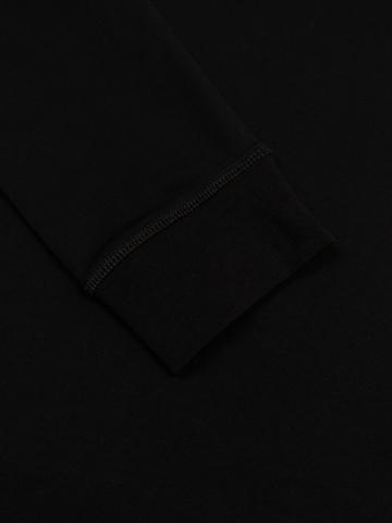 Джемпер с круглым воротом чёрного цвета