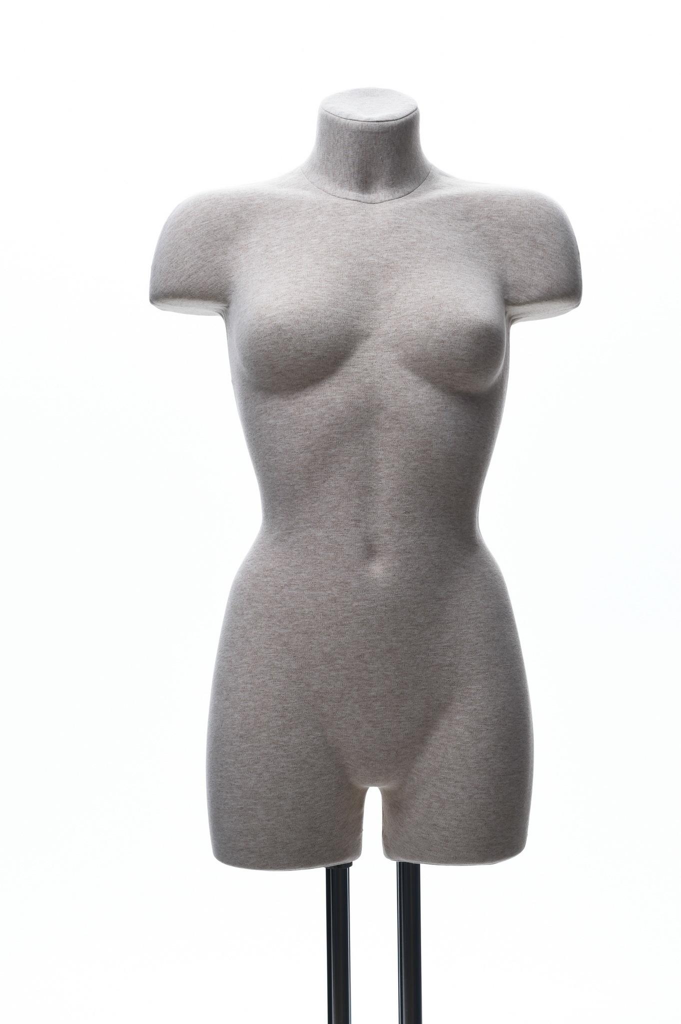 Демонстрационный женский манекен с выраженным рельефом 44-46 размер (телесный)