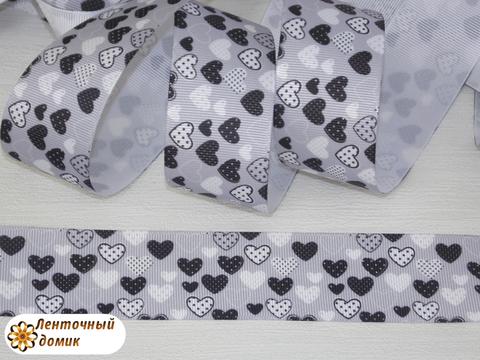 Лента репсовая Черно-белые сердечки на сером