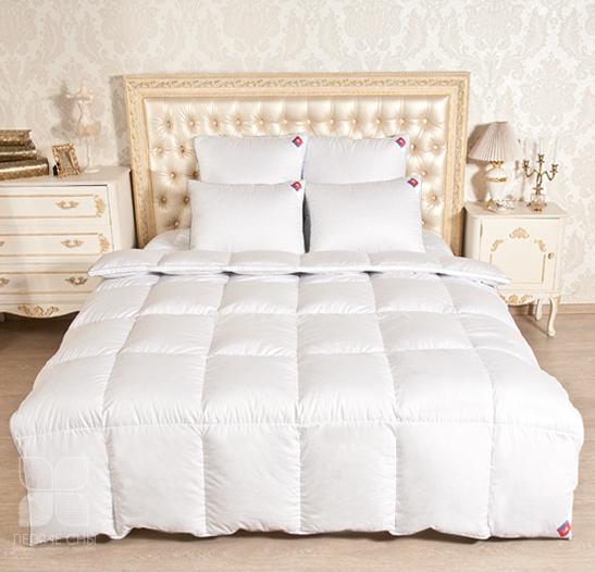 Одеяла и Подушки Одеяло Лоретта пух категория Экстра Легкое одеяло_лоретта2.jpg