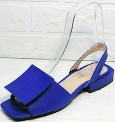 Модные летние босоножки с квадратным носком женские Amy Michelle 2634 Ultra Blue.
