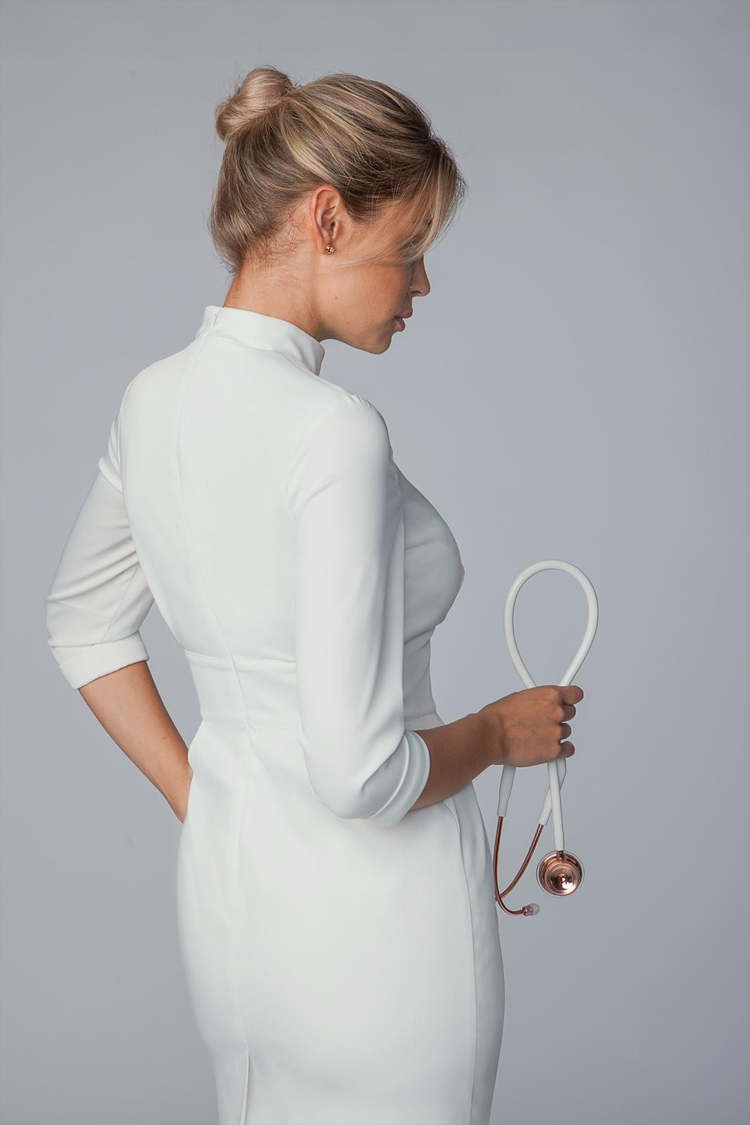 Медицинское платье-футляр 4Doctors