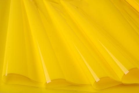 Пленка цветная лак 70 см х 7,6 м. Цвет: желтый