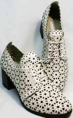Стильные женские полуботинки босоножки с закрытой пяткой и закрытым носком Arella 426-33 White.