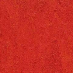 Мармолеум замковый Forbo Marmoleum Click Square 300*300 333131 Scarlet