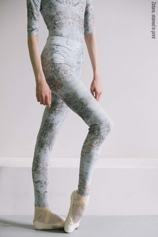 Zigsi leggings, stained in print
