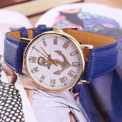 Часы в морском стиле с золотым якорем (королевский синий)