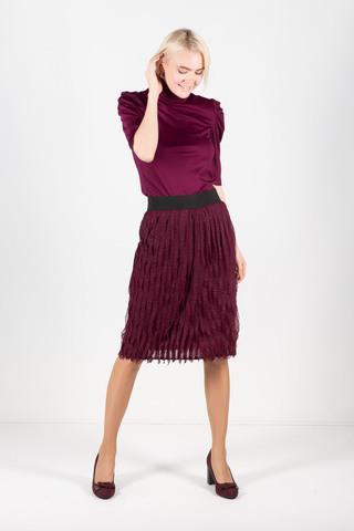 Фото современная бордовая юбка с рюшами и эластичным поясом - Юбка Б111-299 (1)
