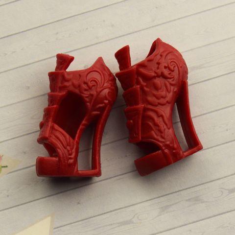 Обувь для Эвер Афтер Хай и Монстр Хай (красные туфли)