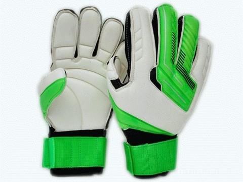 Перчатки вратарские с усилителем. :(846-9):