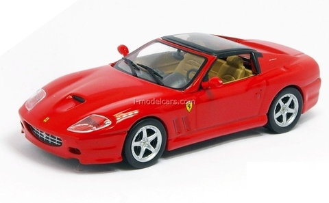 Ferrari 575 Superamerica 2005 red 1:43 Eaglemoss Ferrari Collection #54