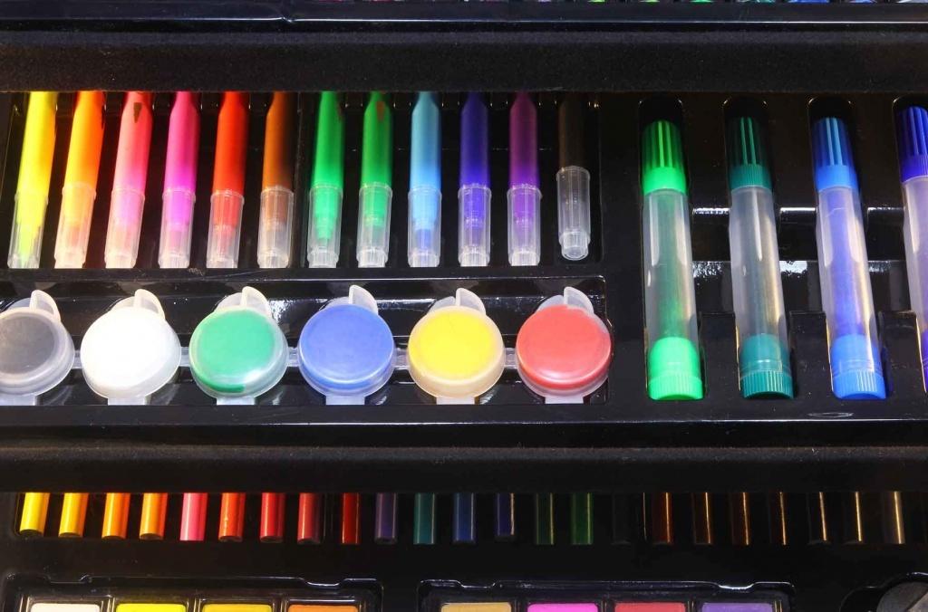 Художественный набор для рисования в чемоданчике