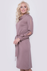 <p>Шикарное офисное платье на каждый день. Мягкий трикотаж, оригинальный крой - придадут Вашему образу утонченность и шарм!Длина изделия/рукава-98см./58см.(все размеры)</p>