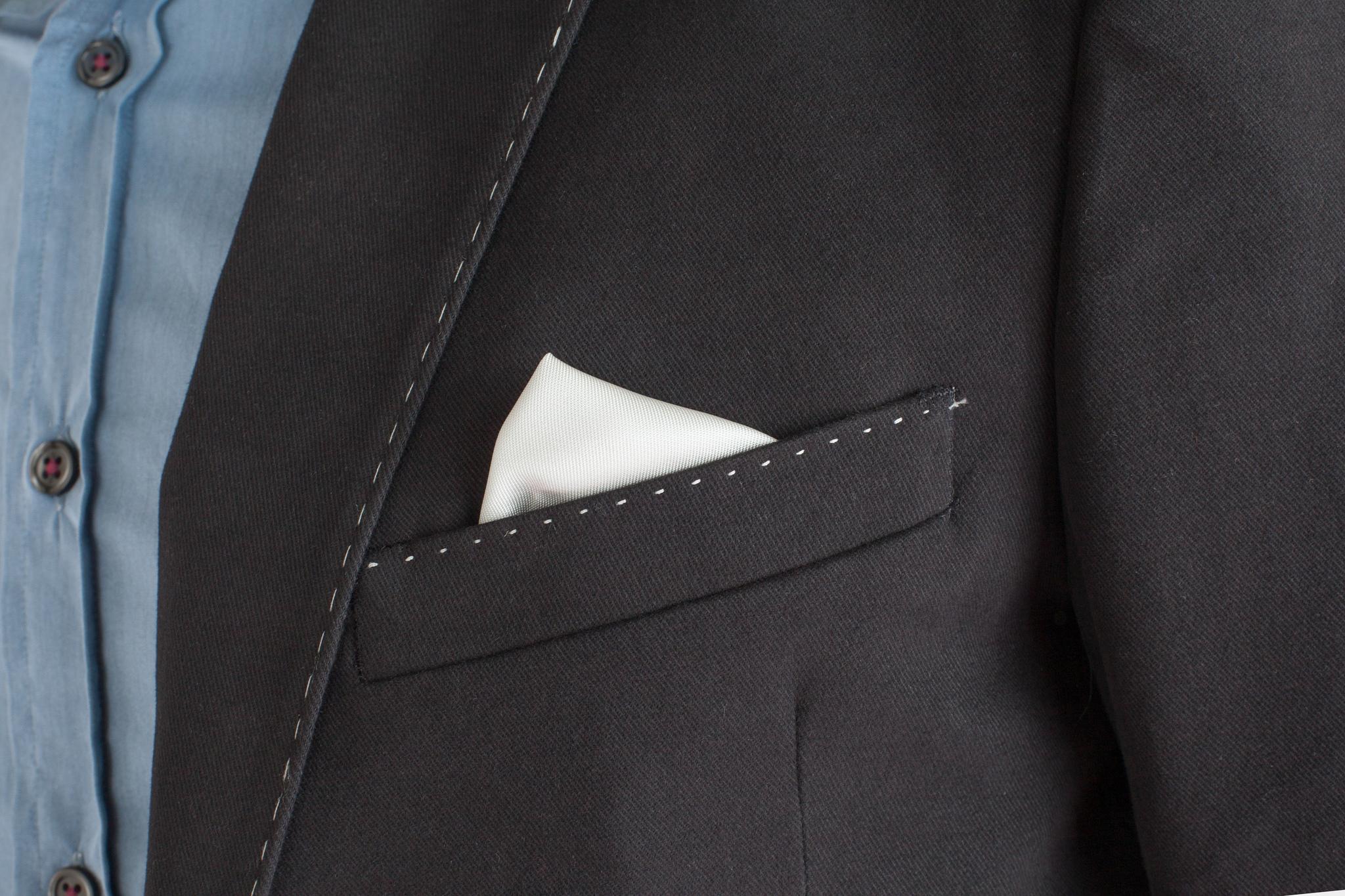 Чёрный хлопковый пиджак с контрастным швом, нагрудный карман