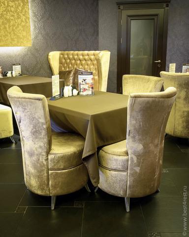 Диваны и кресла для ресторана