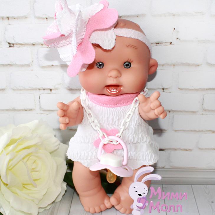 Пупс Nines D'Onil Милашка в повязке с розовым цветком 26 см