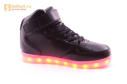 Светящиеся высокие кроссовки с USB зарядкой Fashion (Фэшн) на шнурках и липучках, цвет черный, светится вся подошва. Изображение 2 из 22.